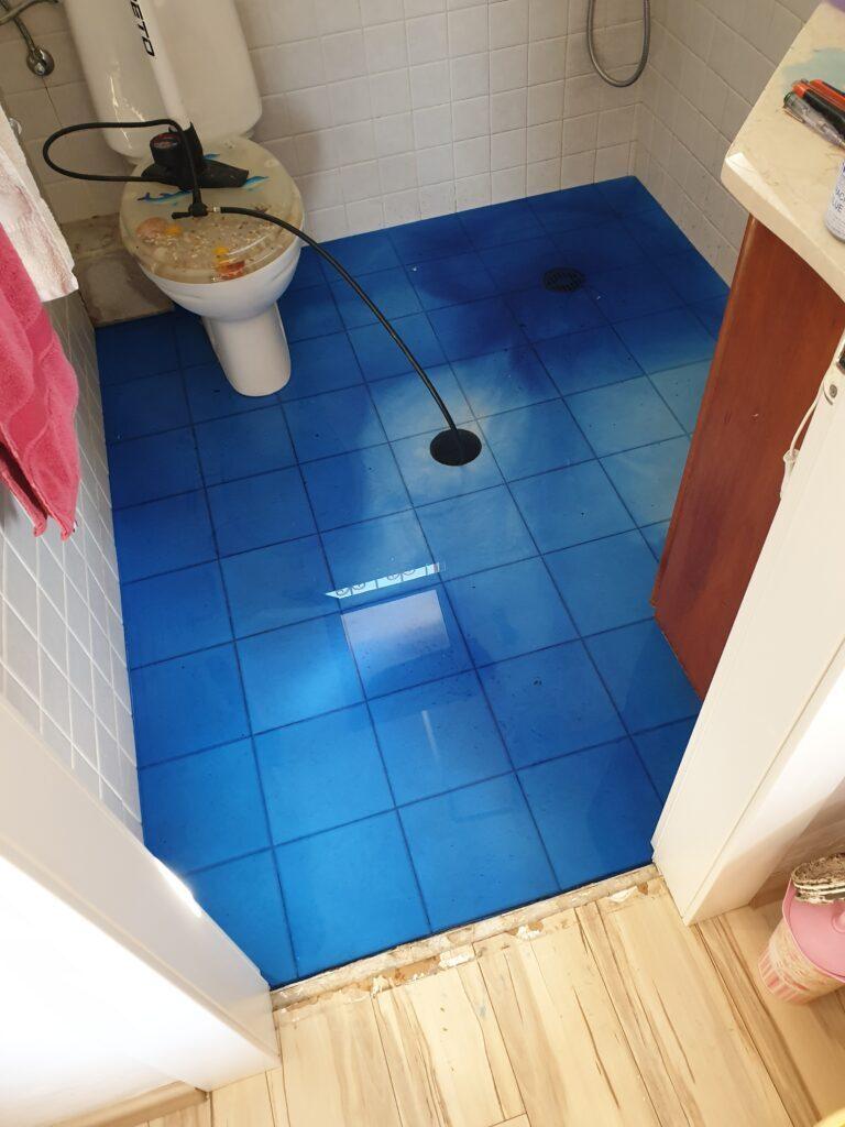 בדיקת איטום בחדר מקלחת
